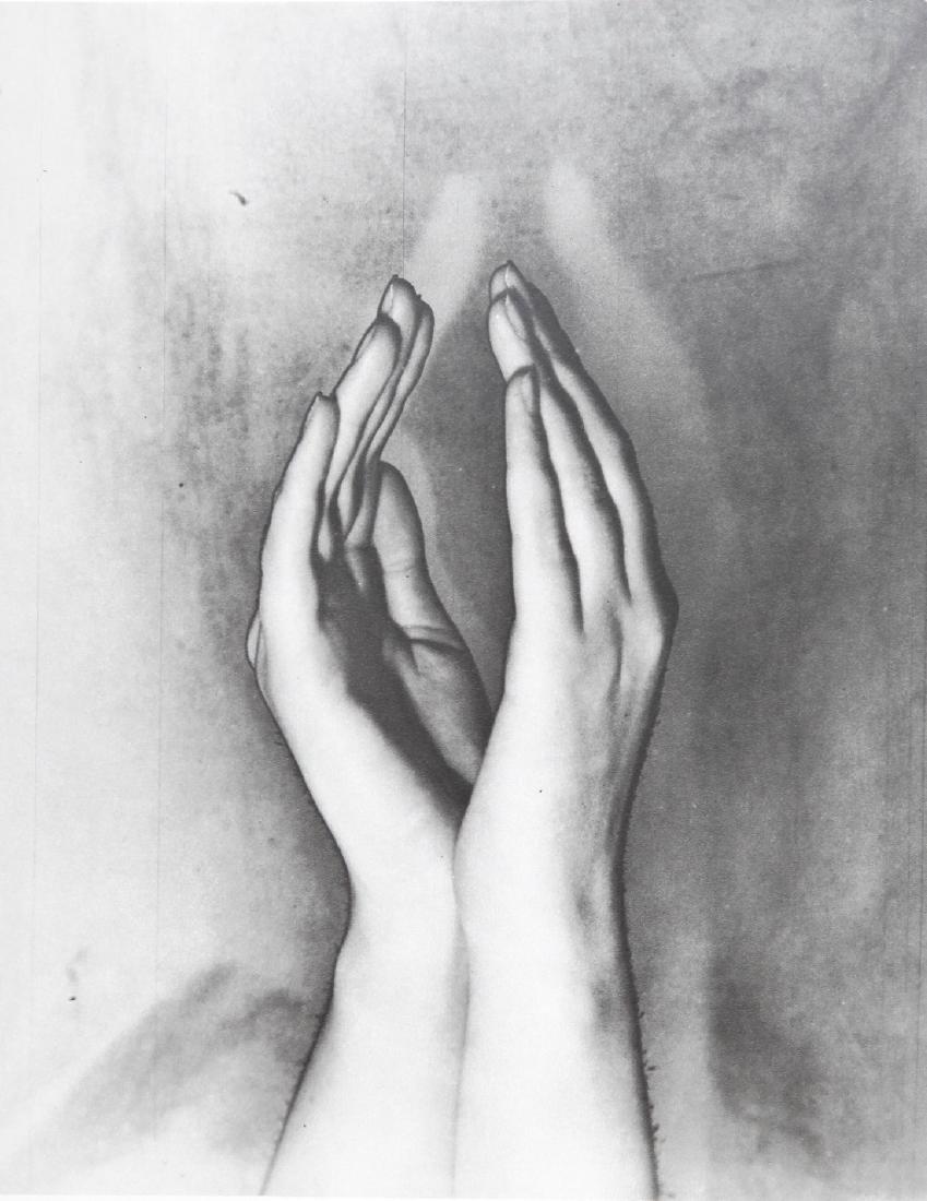 ERWIN BLUMENFELD - Hands solirized Amsterdam 1929