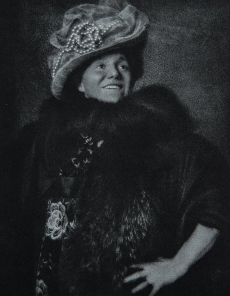 EDWARD STEICHEN - Yvette Guibert, 1908