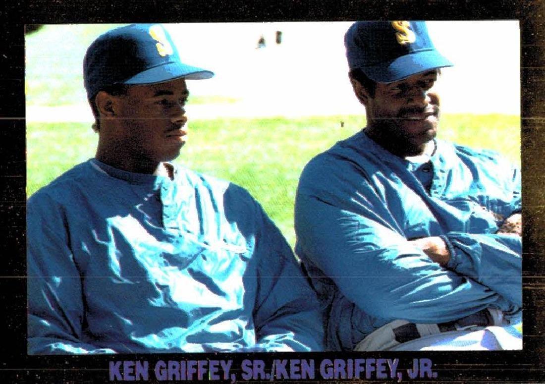 4 Gold Border Ken Griffey Jr Ken Griffey Sr Cards - 3