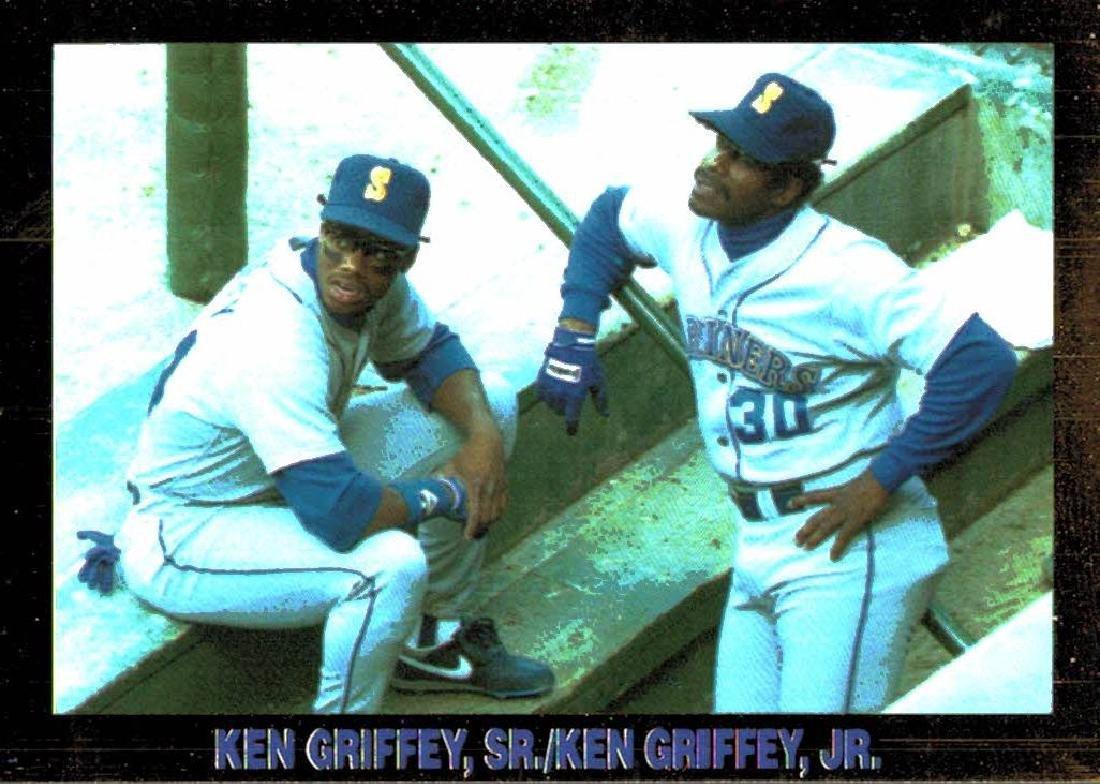4 Gold Border Ken Griffey Jr Ken Griffey Sr Cards - 4