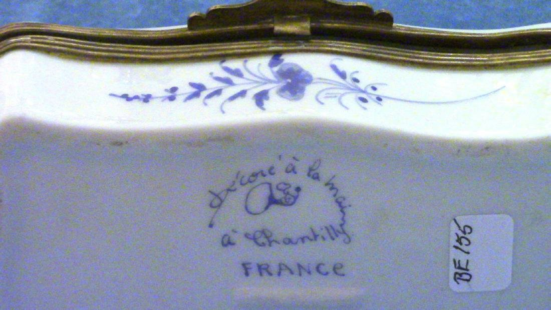 FRANCE Small Vintage Porcelain Dresser Box - 2