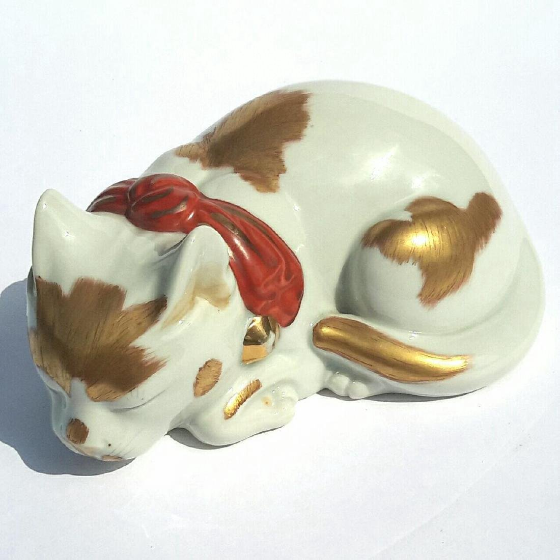 Early Vintage Japanese Kutani Porcelain Sleeping Cat