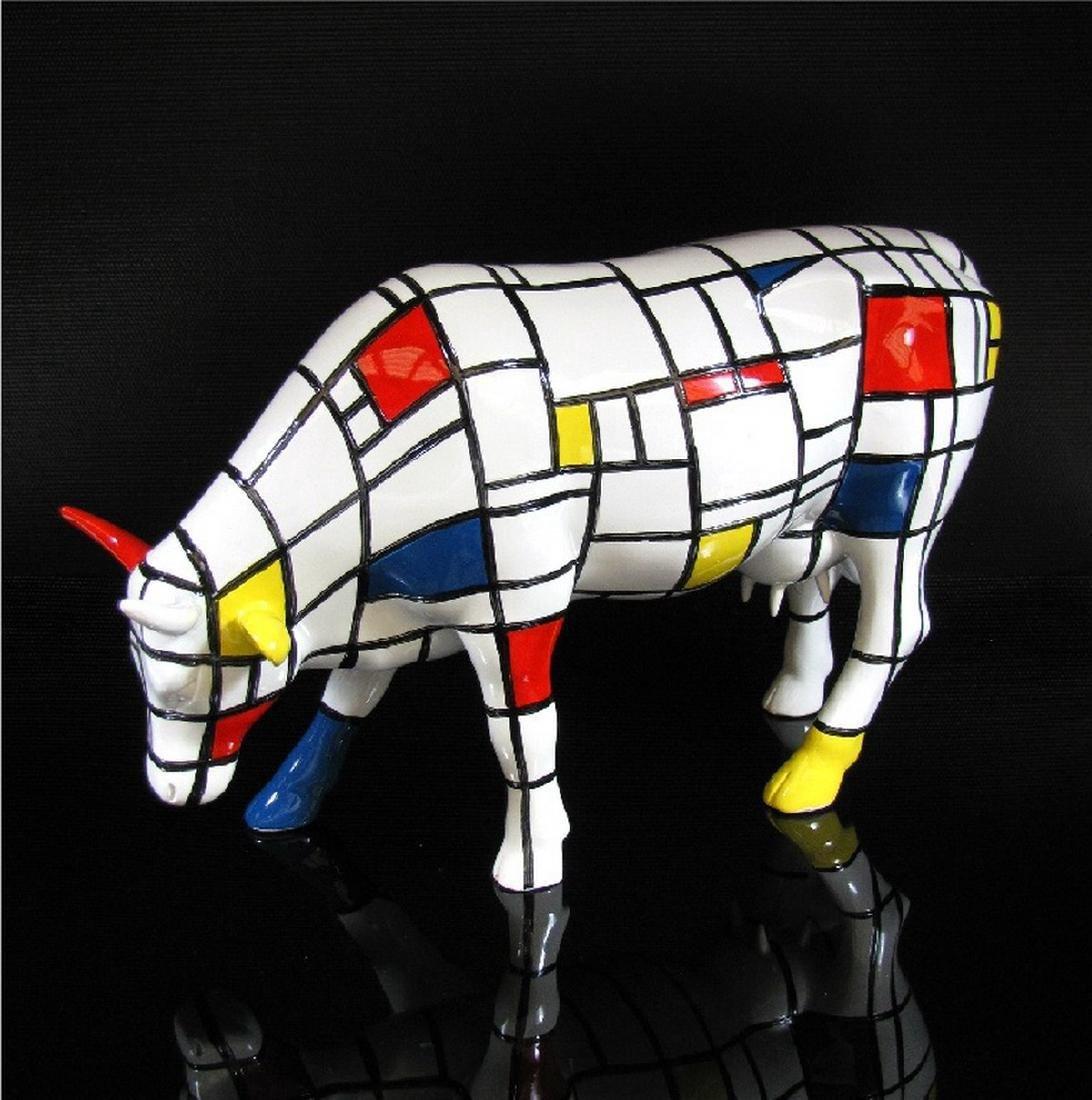CowParade: Cow Moondrian statue
