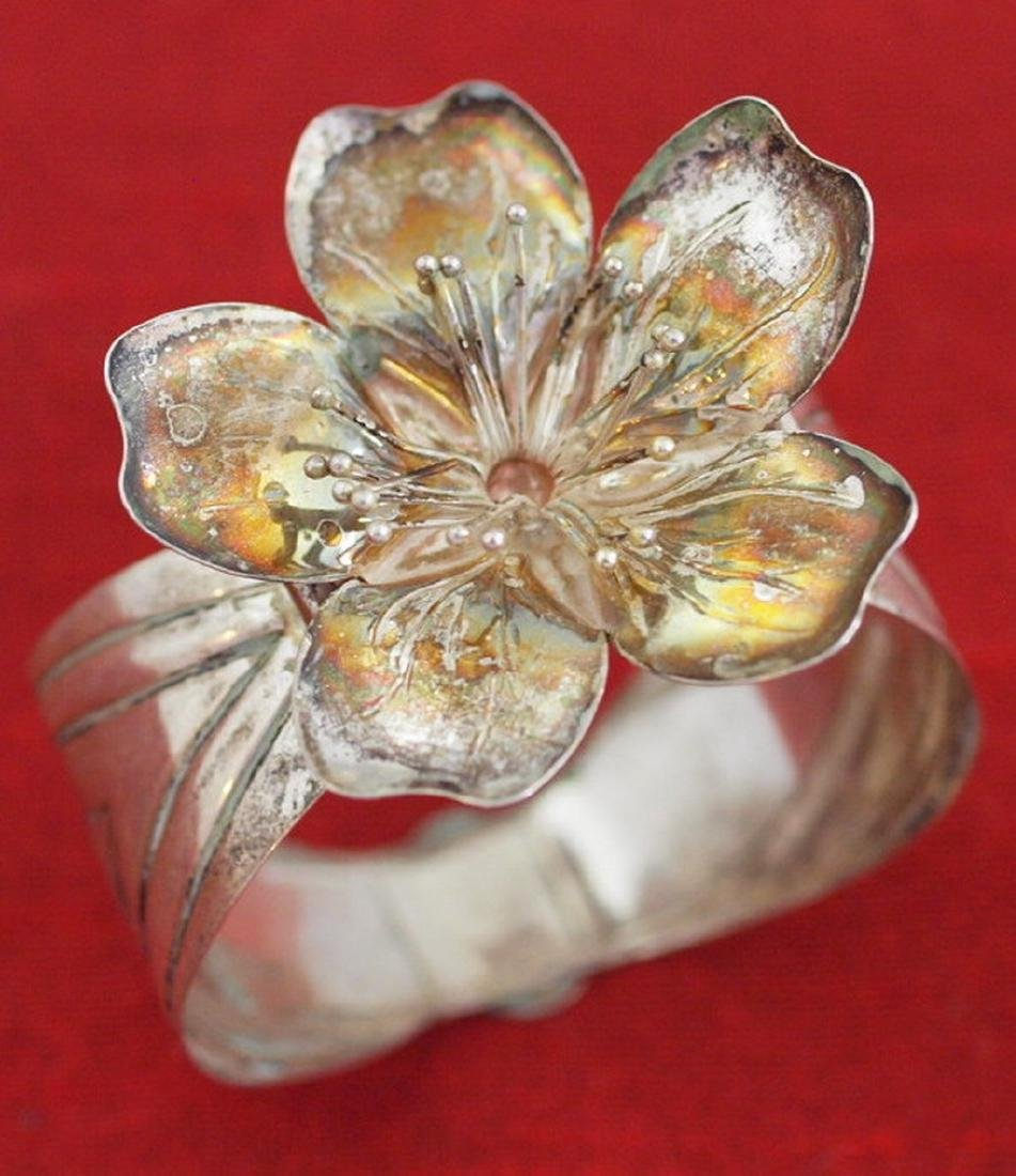 Vintage napkin holder with flower in silver 800