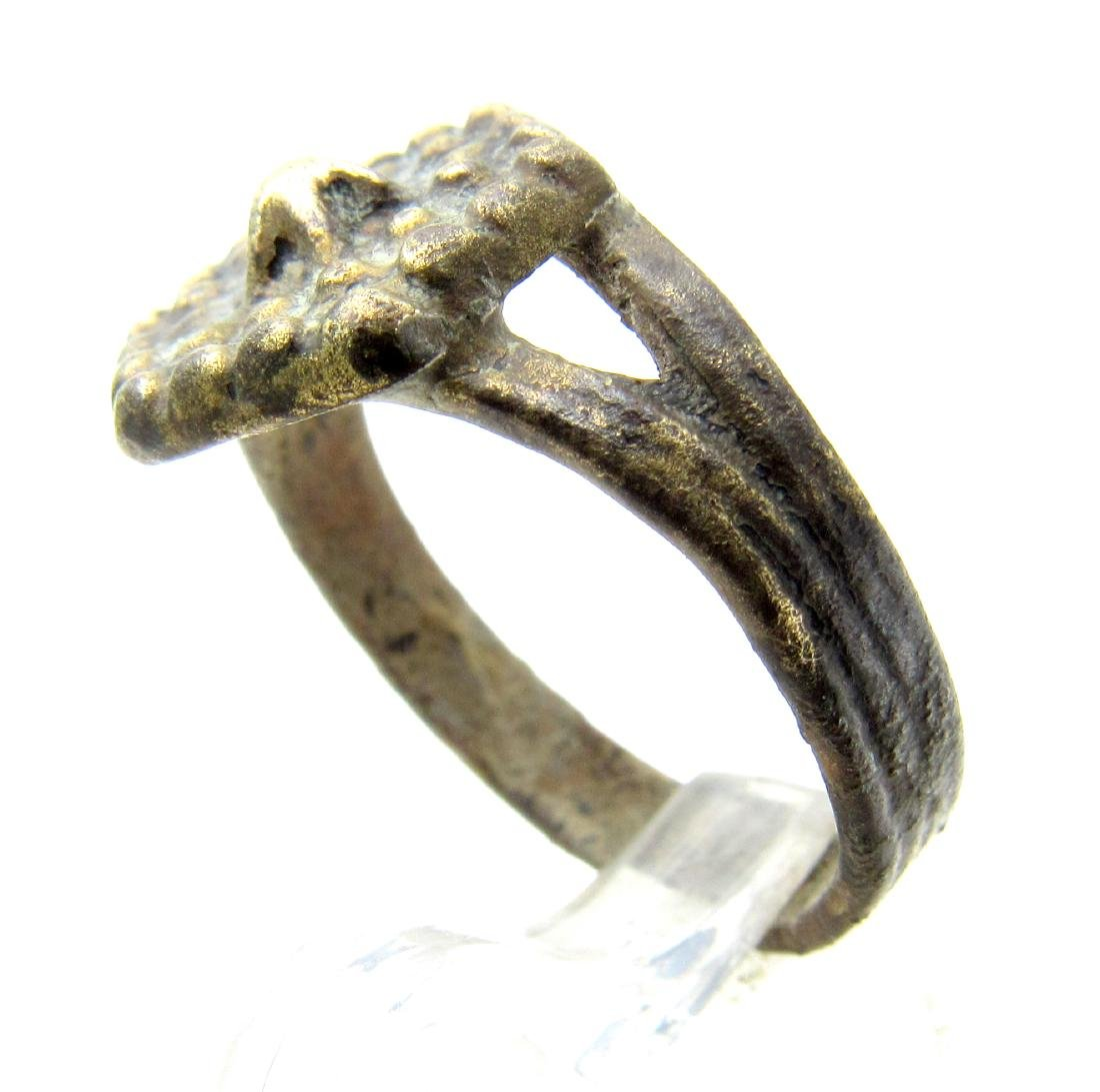 Late Medieval Tudor Ring with Crown Bezel - 2