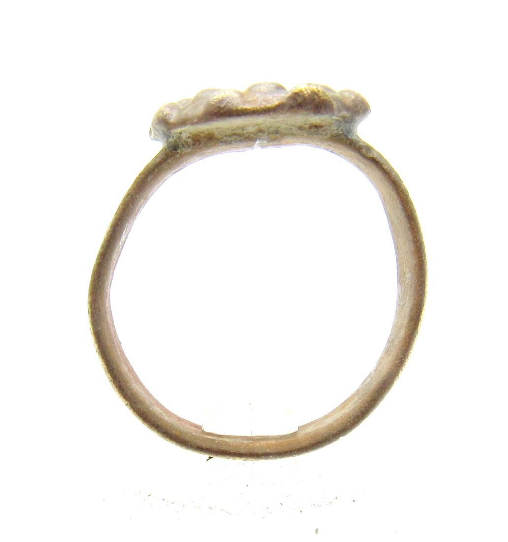 Late Medieval Tudor Ring with Crown Bezel - 3