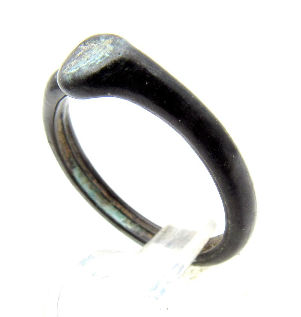 Ancient Roman Glass Ring - 2