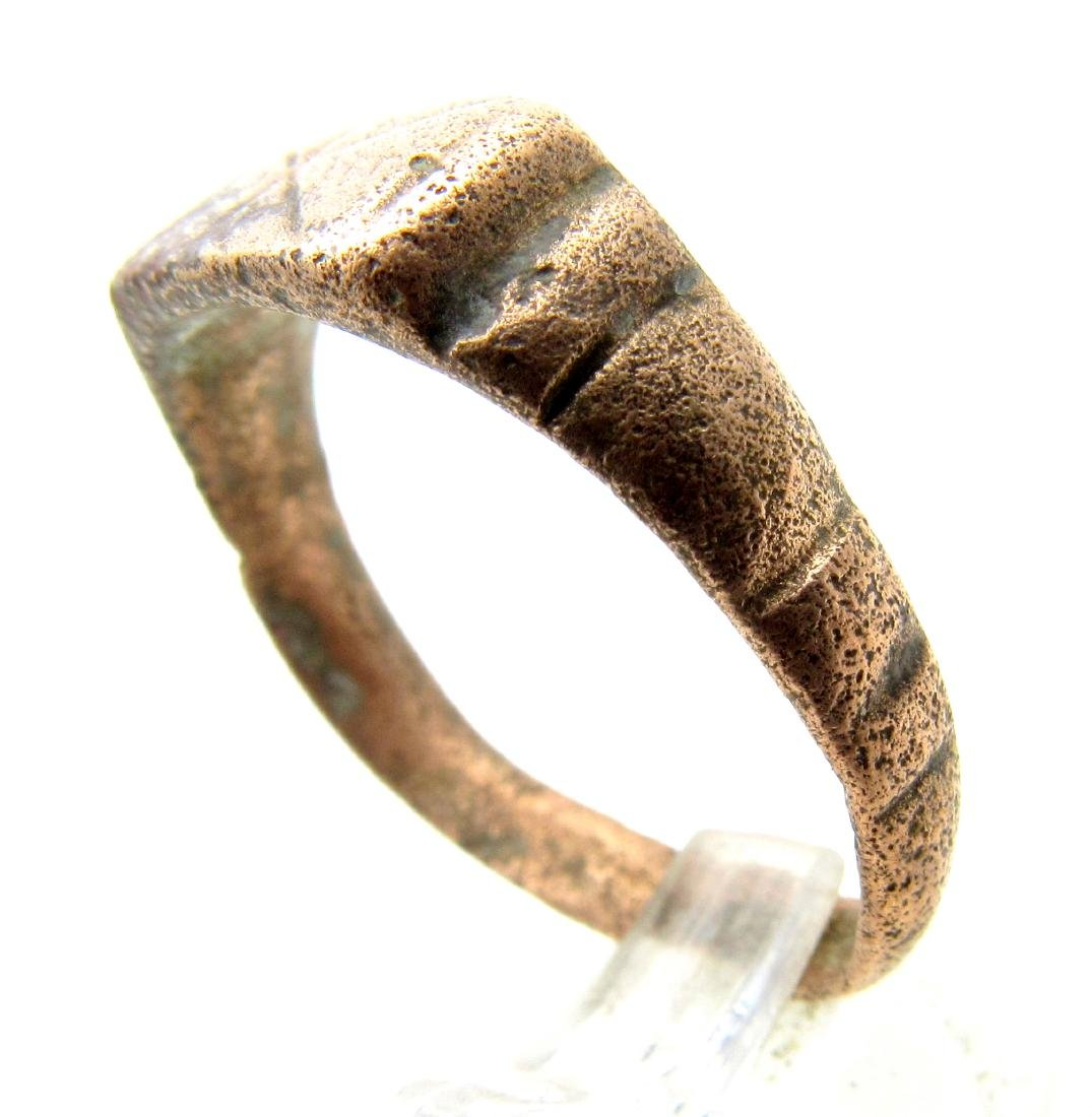 Ancient Roman Bronze Ring with Star on Bezel - 2