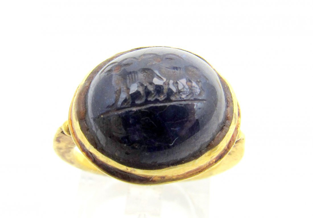Persian Medieval Gold Ring with Lapis Lazuli Intaglio