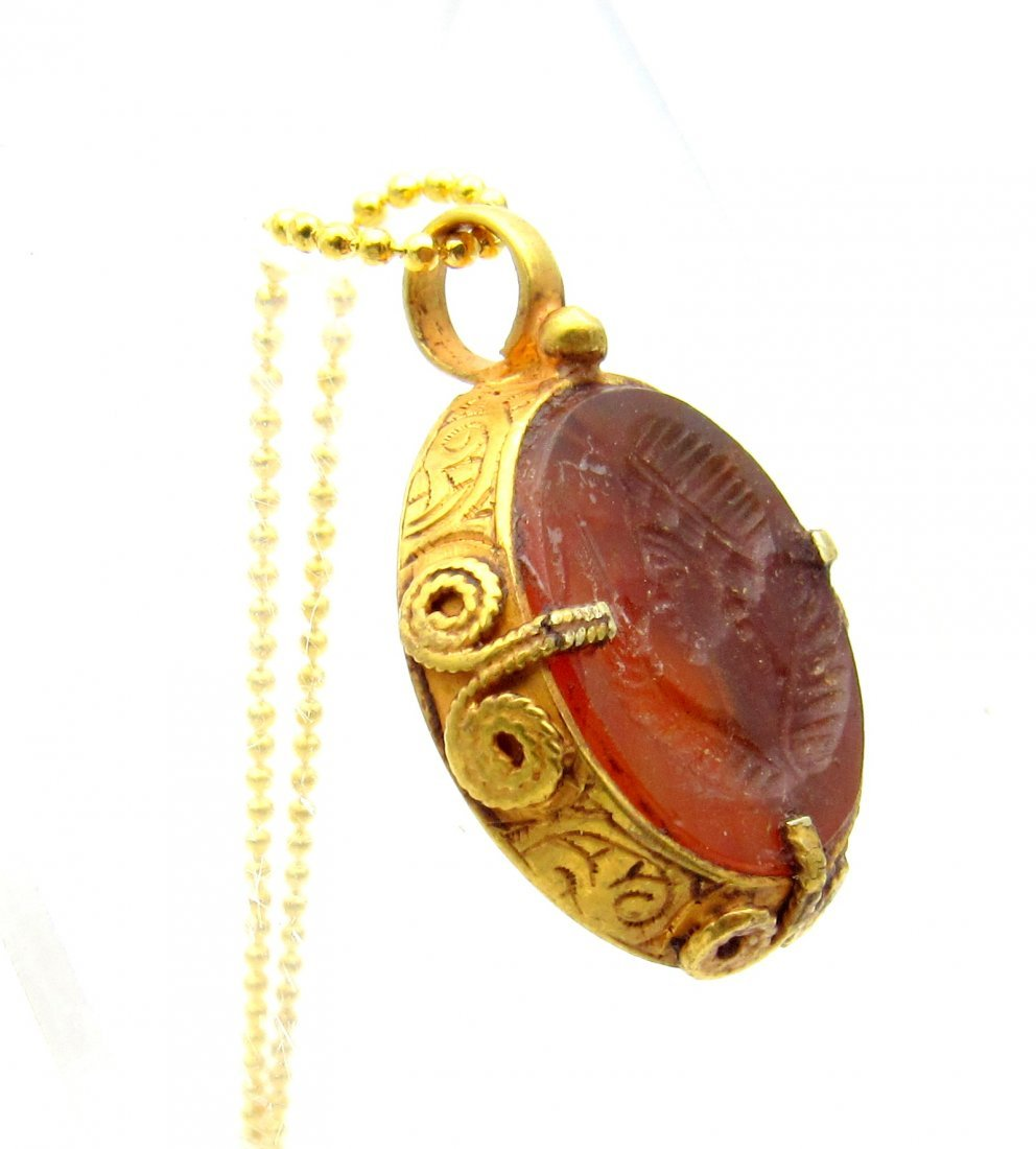 Persian Medieval Gold Pendant with Carnelian Intaglio - 2