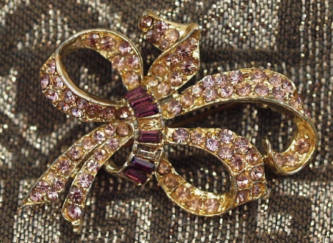 Vintage Wonderful Golden Bow Amethyst Brooch