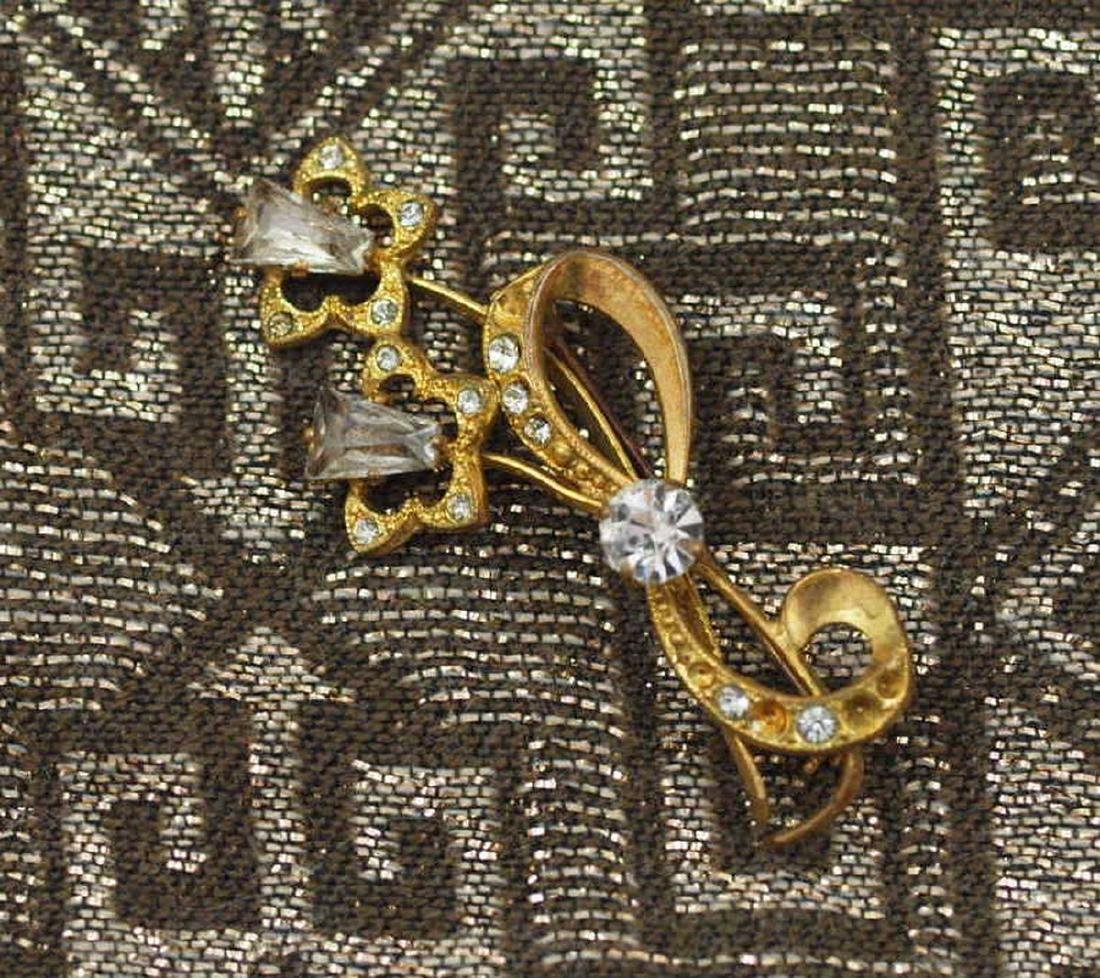 Art Deco Brooch in Brass and Crystals