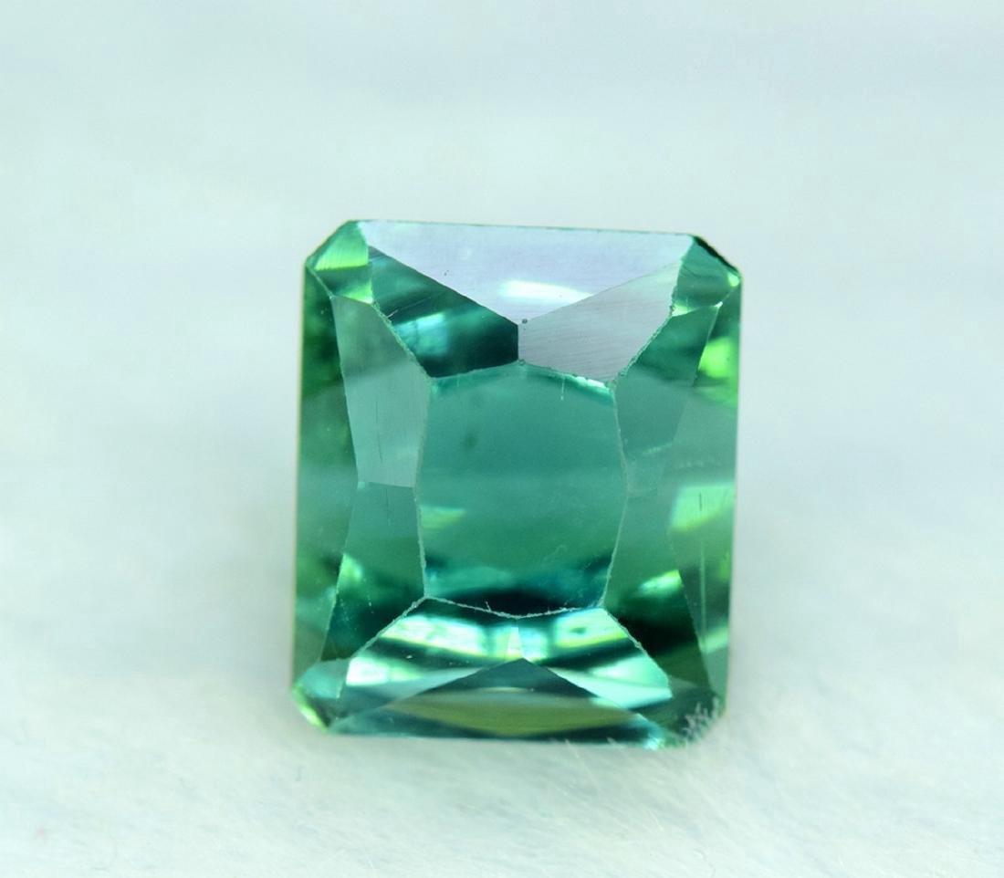 10.95 Carat Flawless Green Kunzite Loose Gemstone - 4