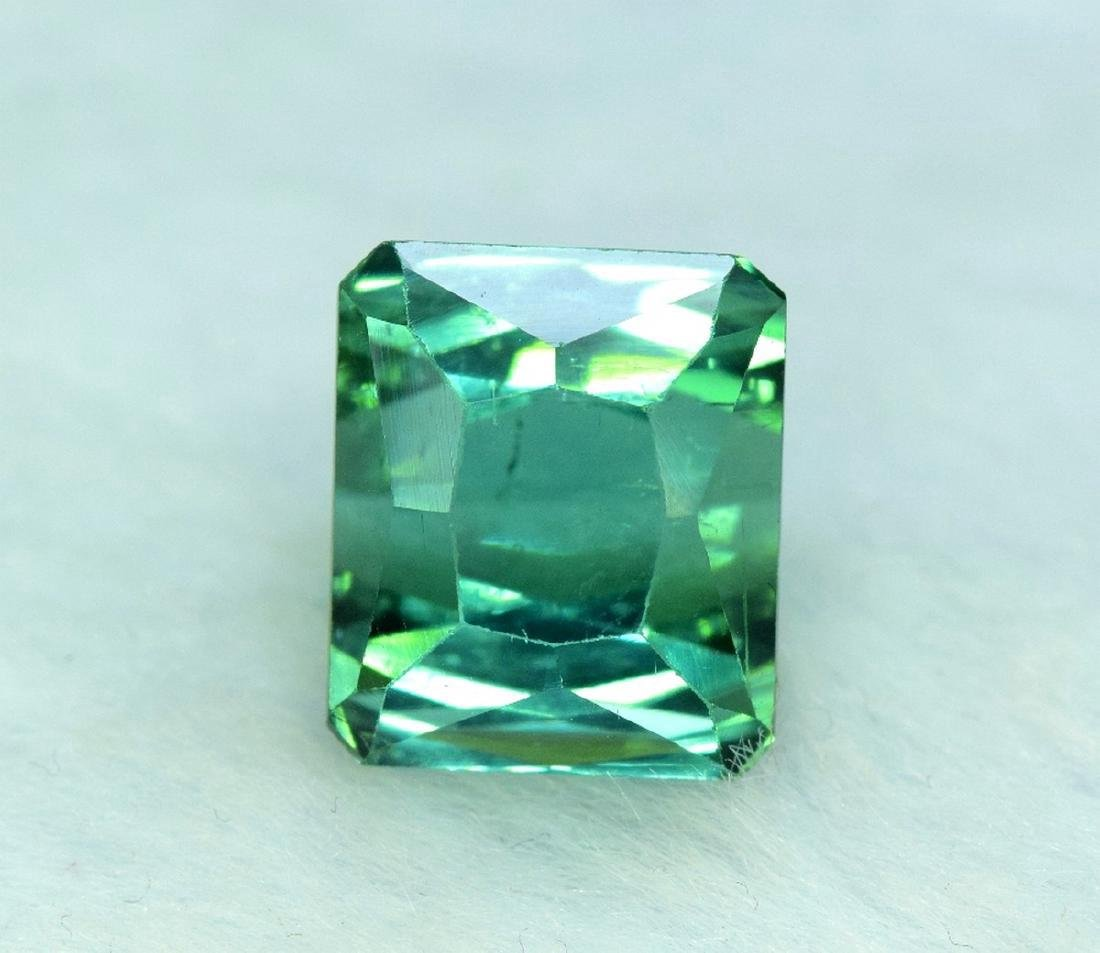 10.95 Carat Flawless Green Kunzite Loose Gemstone - 6