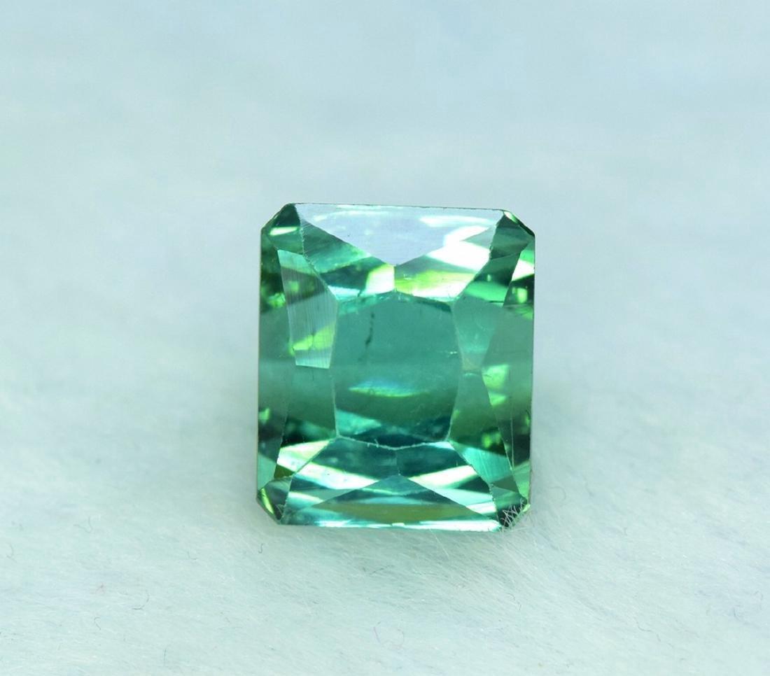 10.95 Carat Flawless Green Kunzite Loose Gemstone - 7