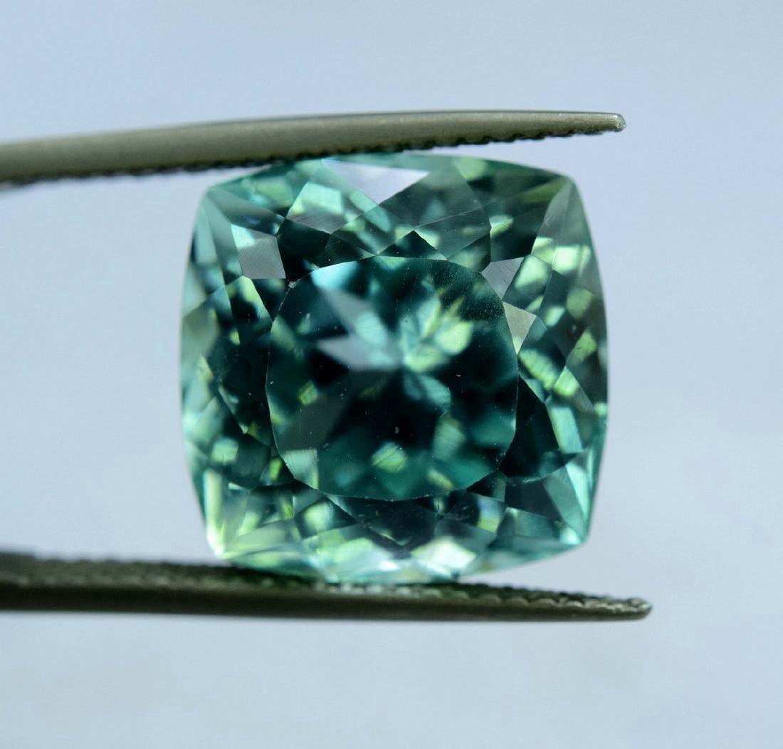 12.55 Carat Flawless Green Kunzite Loose Gemstone - 4