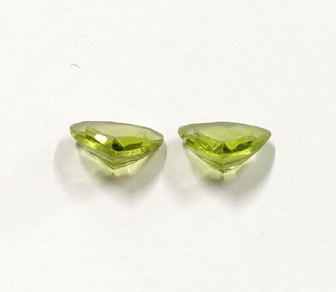 Couple of 2 Peridot Green 1.28 ct - 2