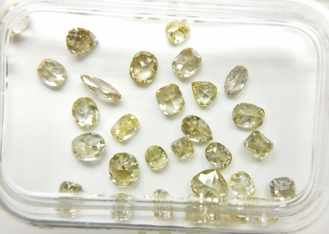 32 Mixed Shapes diamonds total 2.81 ct Mixed Fancy
