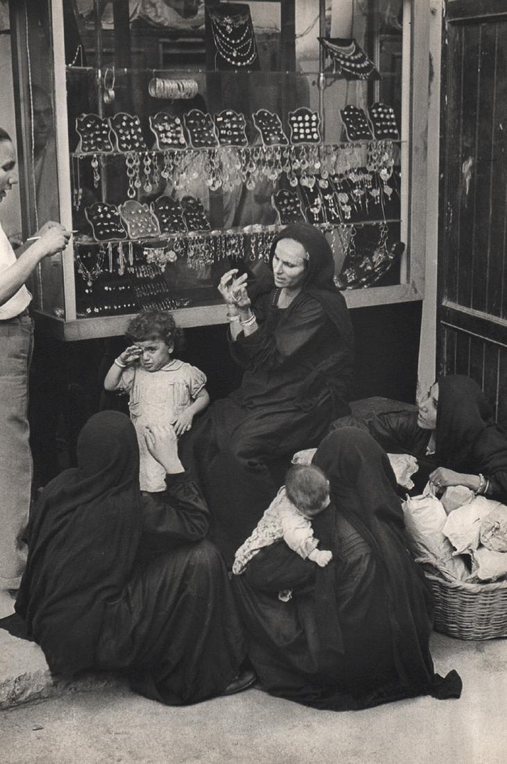 HENRI CARTIER-BRESSON - Peasant Women