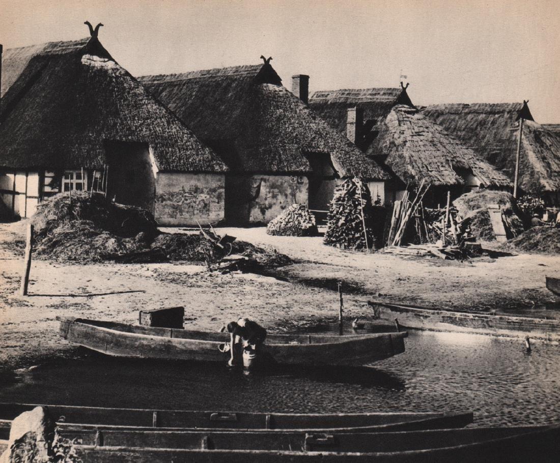 ANDREAS FEININGER  - Riverside Village