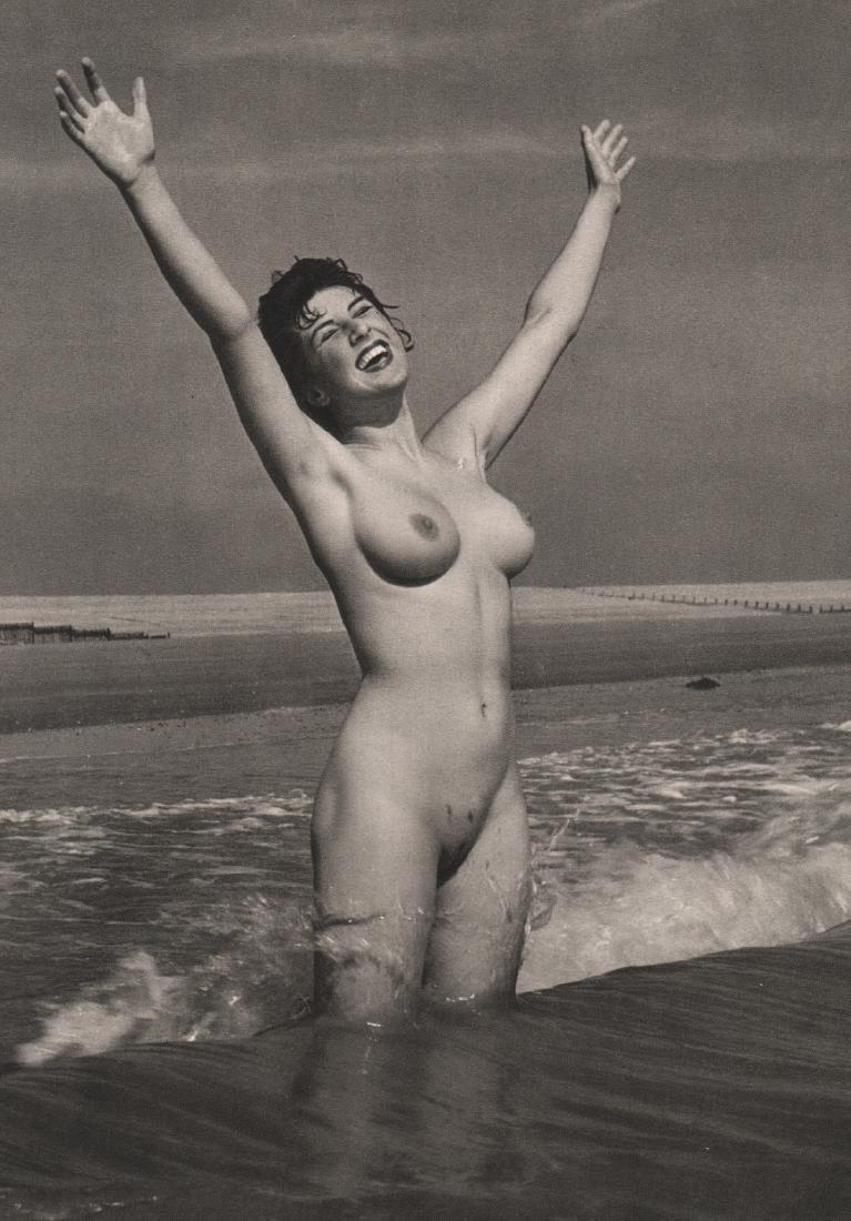 R. GAY - Nude