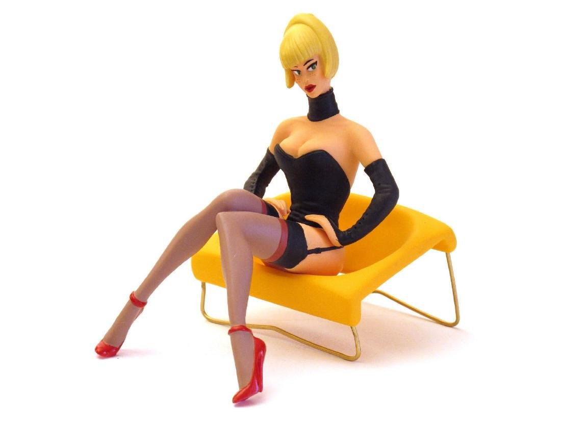 Stephan Saint Emett: Lola Pin Up statue