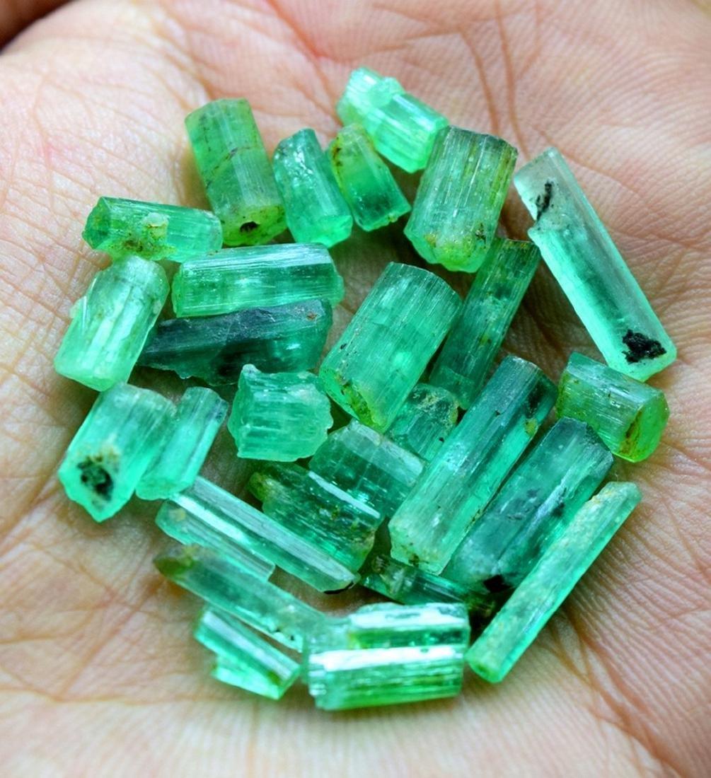 28.50 carats emerald crystals - 2