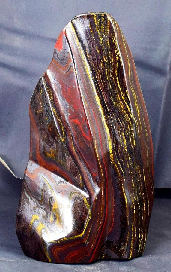 Top Quality Self Standing Tiger's EYE / IRON STONE