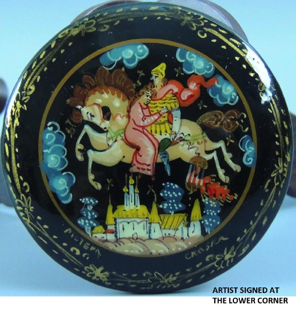 Russian Lacquer Hand Painted Brooch, Signed - 7