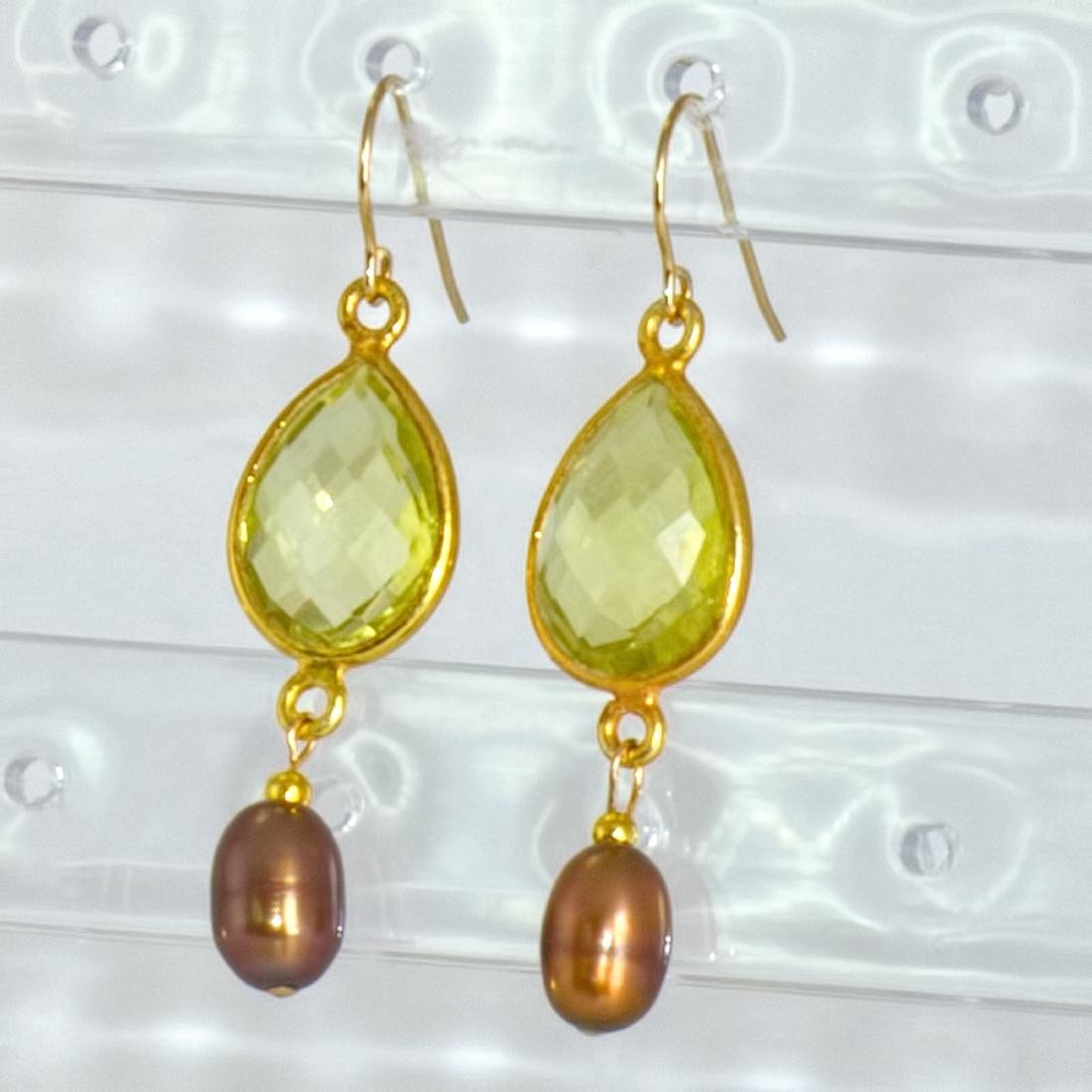 14kt Gold Earrings with Golden Pearls and 'Oro Verde'