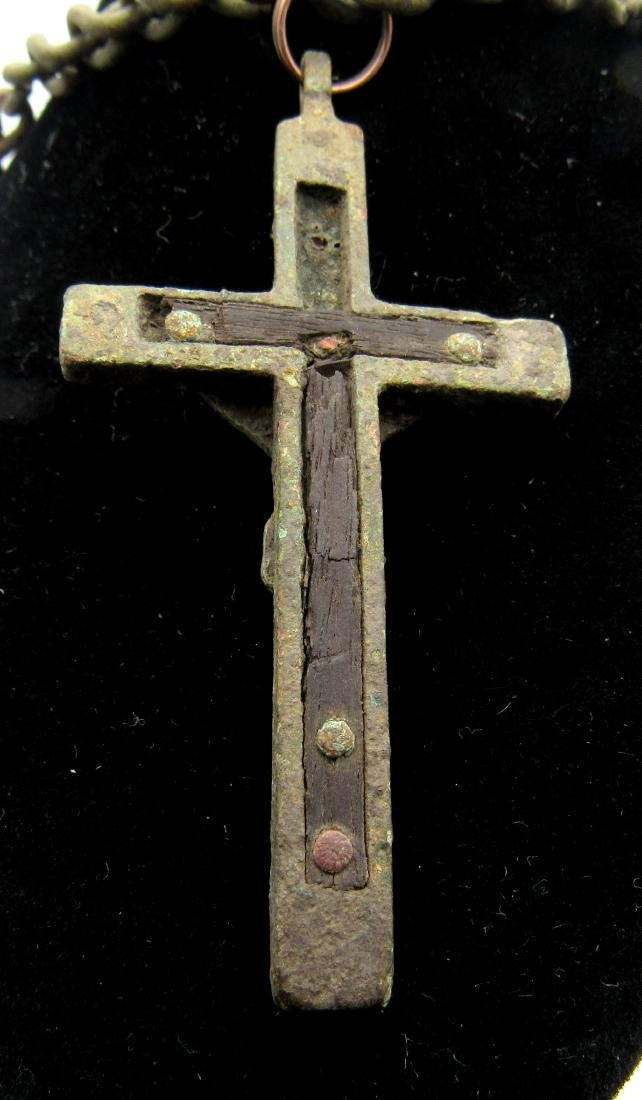 Post Medieval Crucifix with Original Wood and Chain - 2