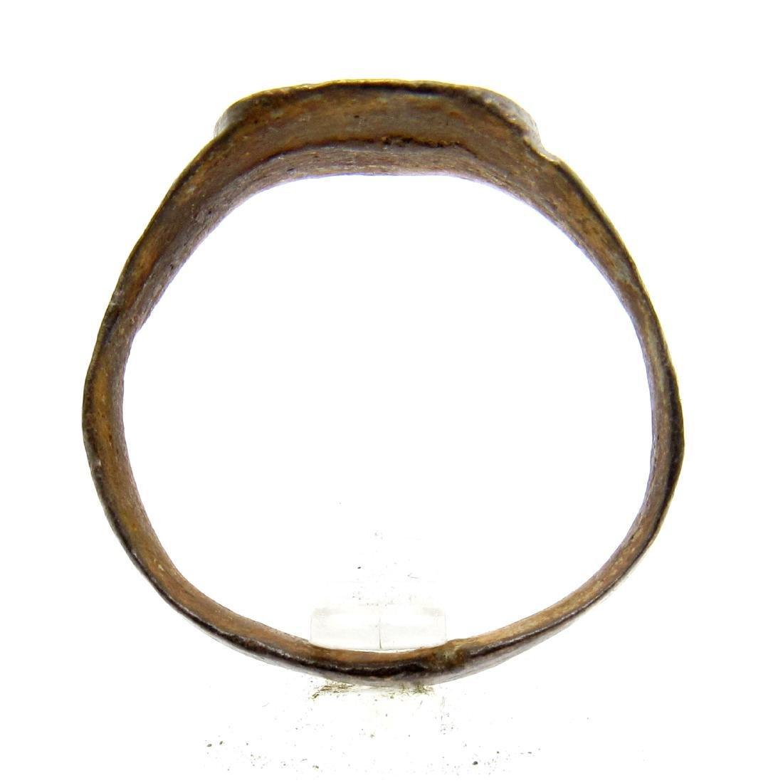 Roman Legionary Ring wtth Decorated Bezel - 3