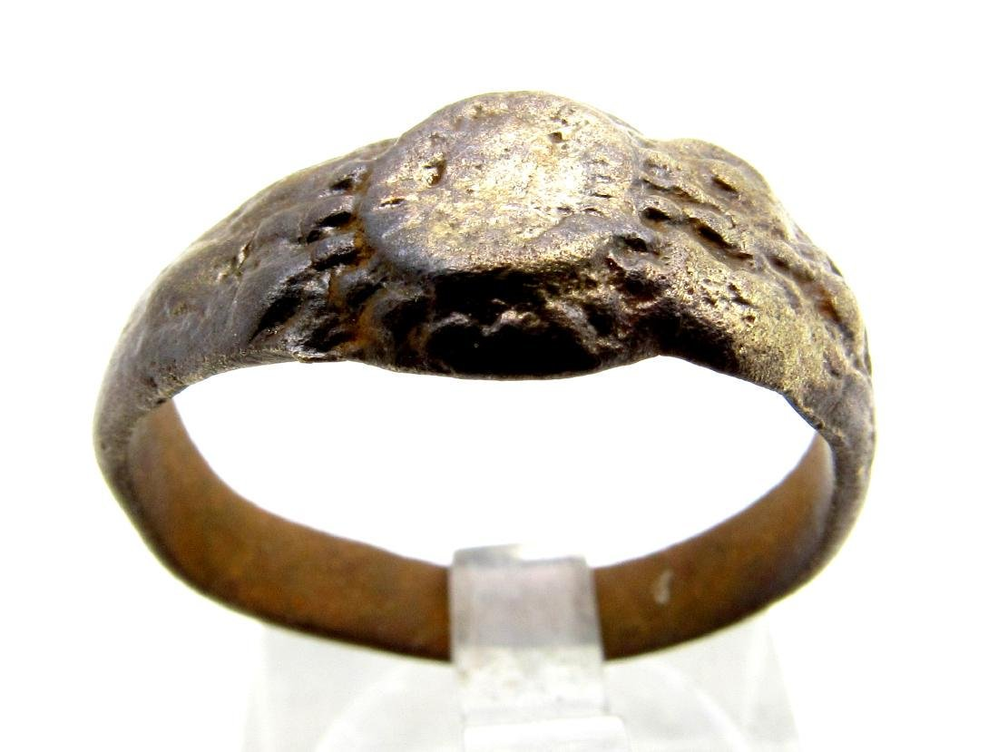 Tudor period weeding ring with Floral decoration