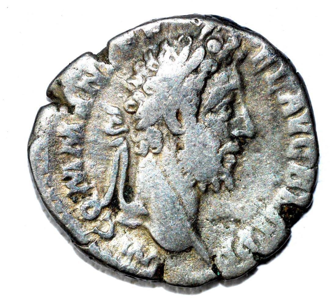 Roman AR Denarius of Commodus, rv, Victoria