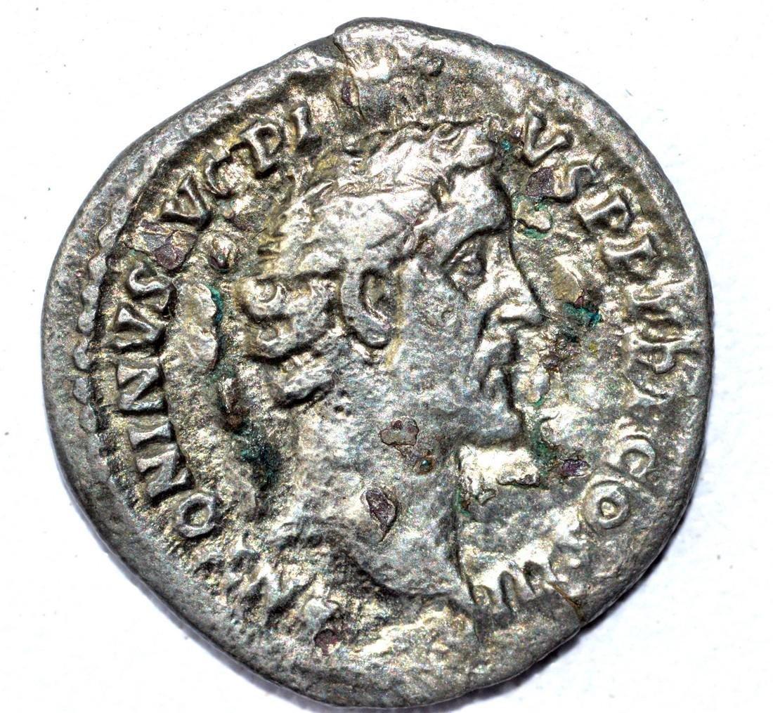 Antoninus Pius AR Denarius, rv. Honos