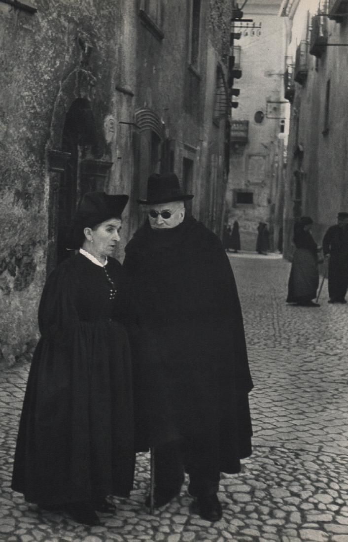 HENRI CARTIER-BRESSON - A Street in Scanno