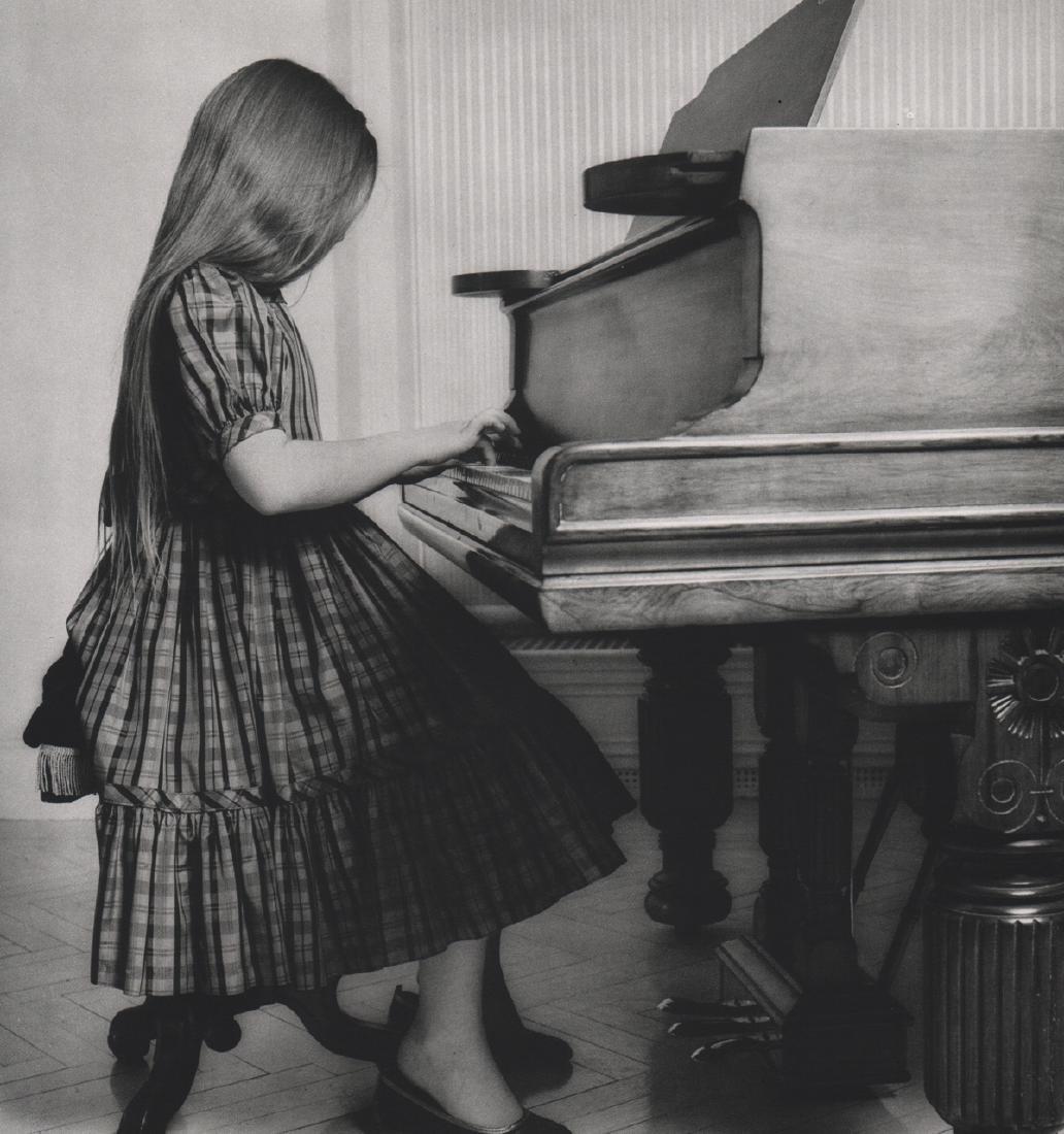ROBERT MAPPLETHORPE - Sarabelle Miller, 1981