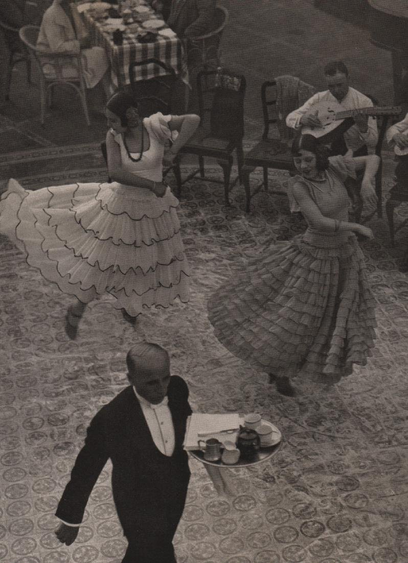 MARTIN MUNKACSI - Dancers