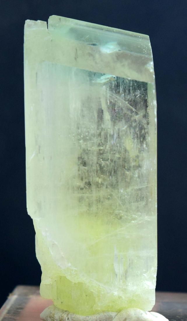 180 gram top quality v-shape natural triphene var