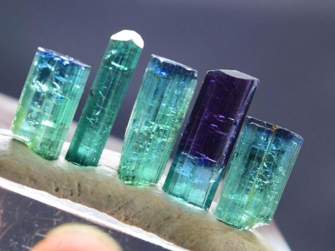 25 carats terminated indicolite tourmaline crystals lot - 3