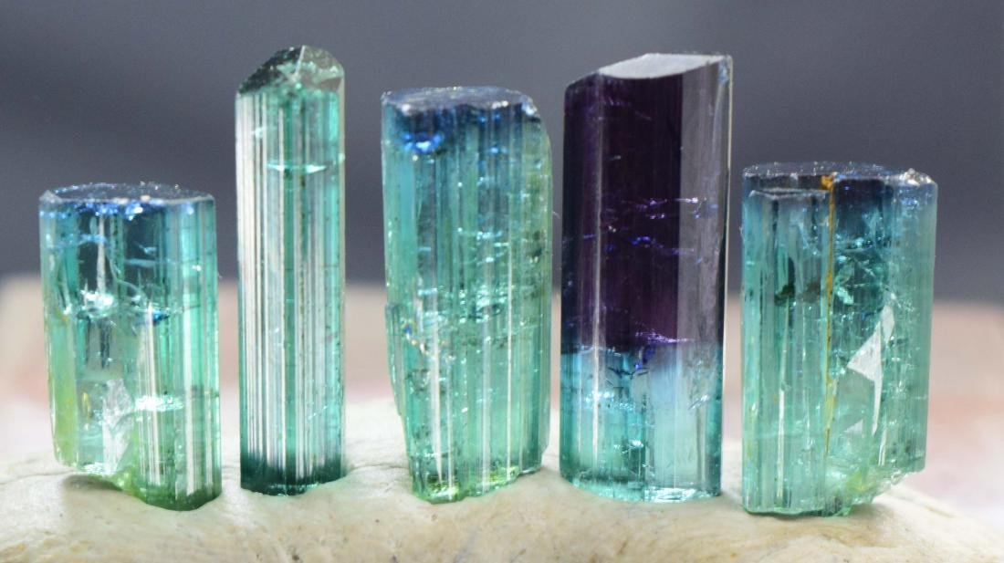 25 carats terminated indicolite tourmaline crystals lot - 4