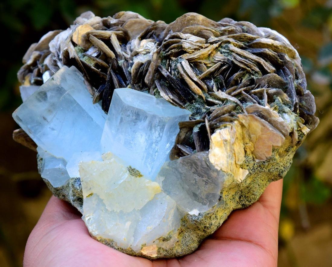867 gram dazzling aquamarine with mica specimen - 2