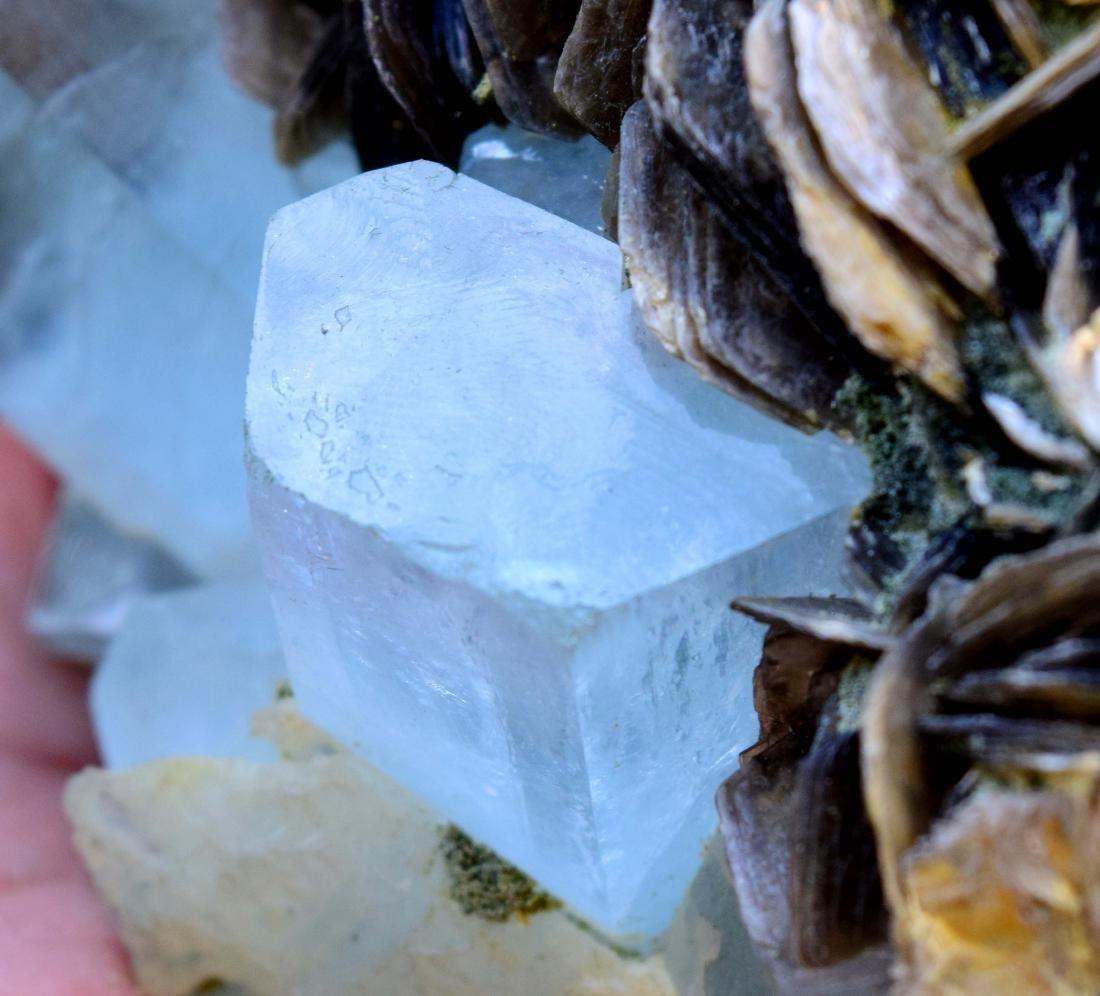 867 gram dazzling aquamarine with mica specimen - 3