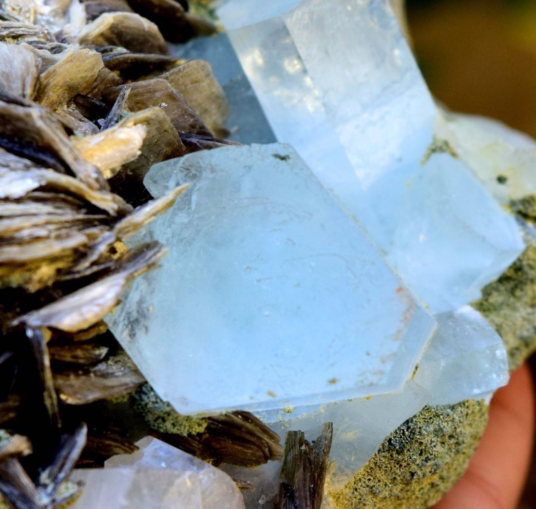 867 gram dazzling aquamarine with mica specimen - 4