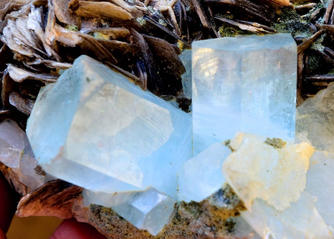 867 gram dazzling aquamarine with mica specimen - 5