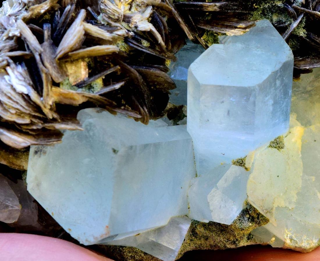 867 gram dazzling aquamarine with mica specimen - 6