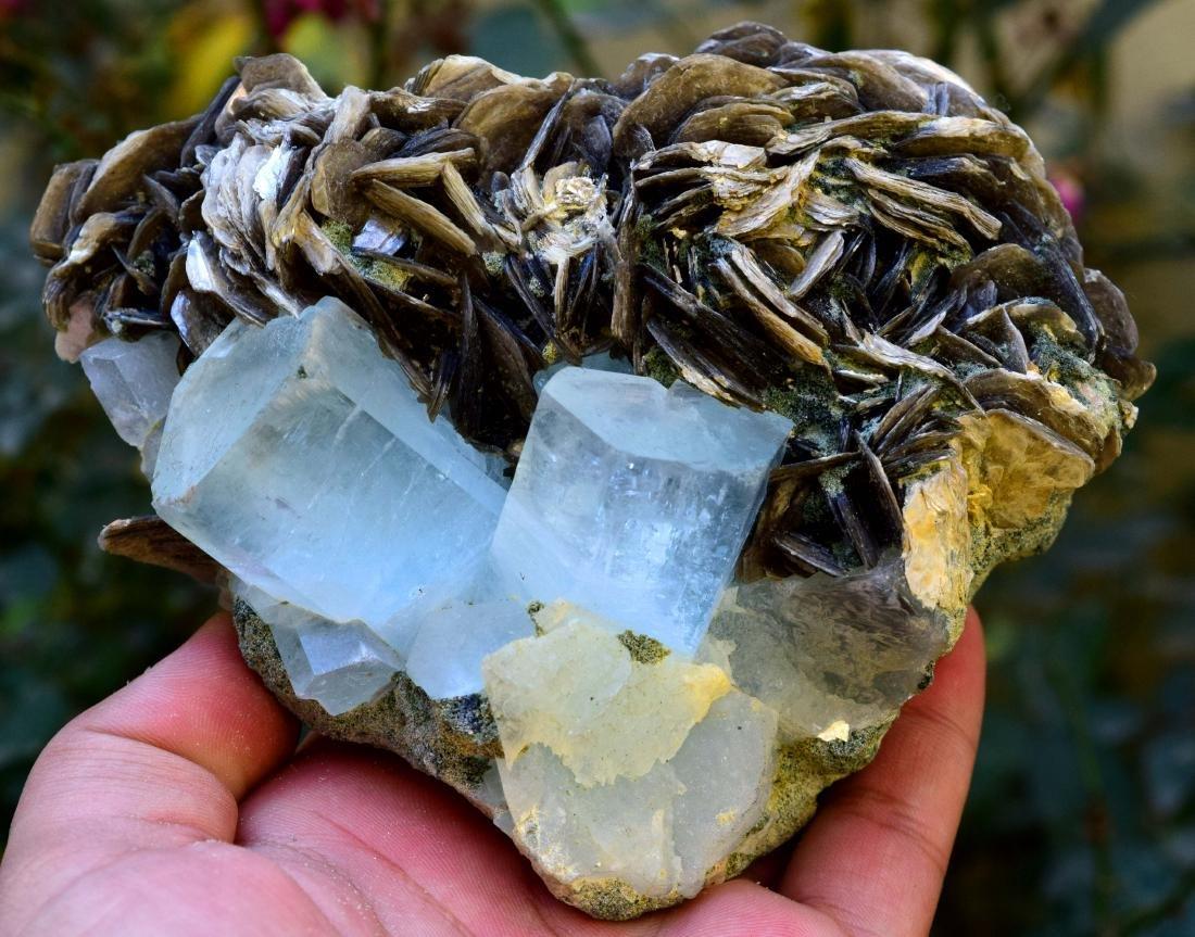 867 gram dazzling aquamarine with mica specimen - 8