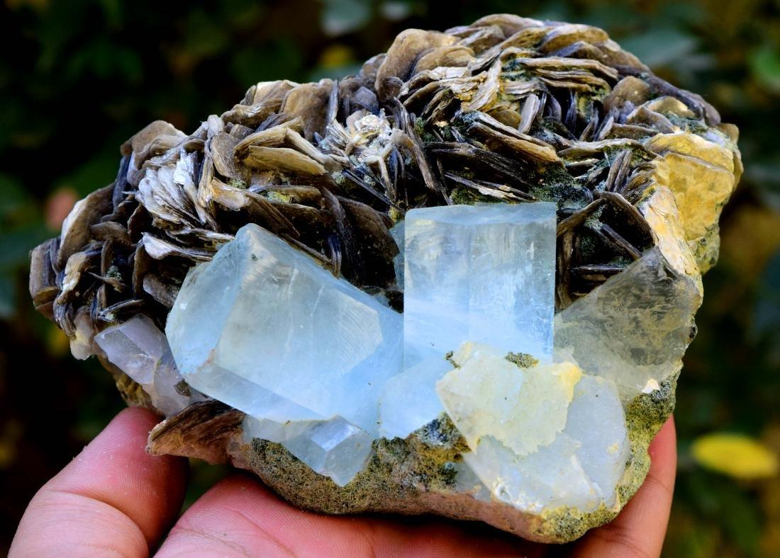 867 gram dazzling aquamarine with mica specimen - 9