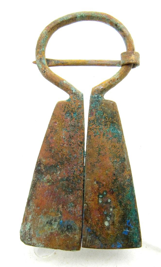 Medieval Viking Era Bronze Penannular Omega Brooch with - 2