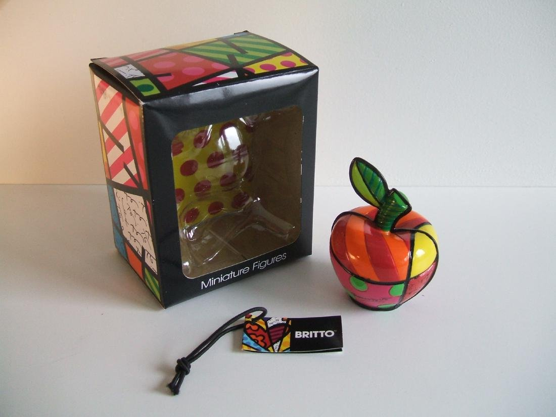 Romero Britto: Little Apple Pop Art statue - 3